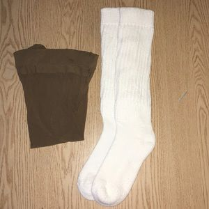 Hooters Girl Sexy Pantyhose & Scrunchie Socks